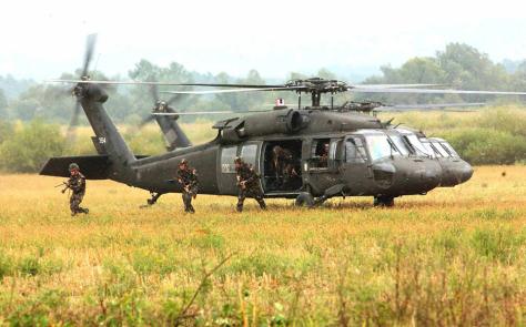 Blackhawks unloading troops
